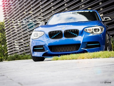 BMW 1er Photoshoot edit design colorful modern street blue 1er bmw car photography