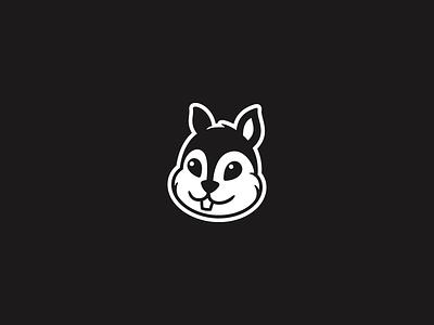RataCast Logo podcast symbol squirrel