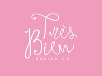 Tres Bien Logo