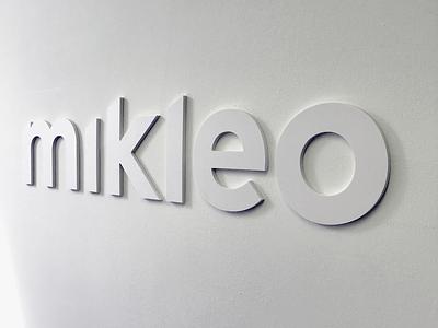 Mikleo 🦄 minimal white wall resin fff office 3d logo mikleo