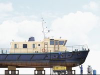 Diving Vessel Ship Dust Blasting Illustration