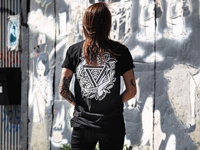 End of Summer T-Shirt Sale doomed lifestyle tshirt design tshirt apparel design apparel mono line tattoo monoline pop art illustration halftone