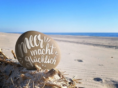 Handlettering on a stone handlettering