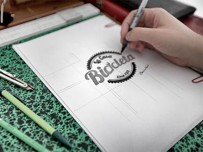 La Casa Bicicleta france pencil paper marque typo velo bicycle graphisme print web design logo