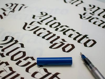 Schizzi lettering calligraphy fraktur blackletters