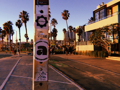 🌴 love for stickers! sampler round circle stickers west beach venice california sticker texture heavy fat outline handwritten bold type tipografia font typeface typography