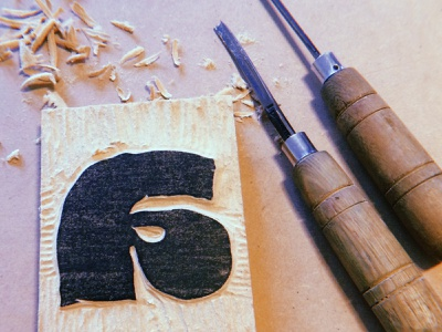 🎬 love for stickers, behind the scenes logotype logo handmade handcrafted arts craft woodblock wood xylography carved heavy fat outline bold handwritten type tipografia font typeface typography