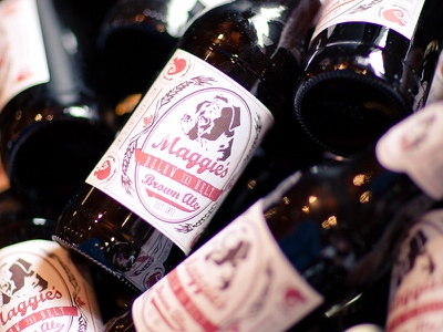 Maggie's Brown Ale illustration label boxer beer