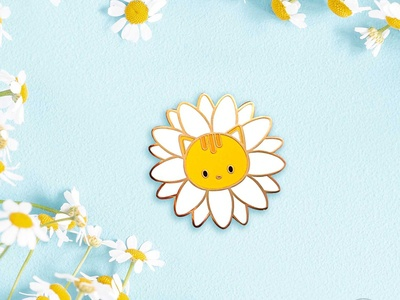 Daisy Cat Pin