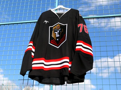 "HC ""Emperor"" emblem & home jersey"