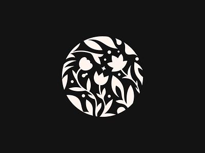 Frosenka  ✽ flowers patrykbelc blcstudio belcdesign salonspa branding flatdesign logodesign logomark logo