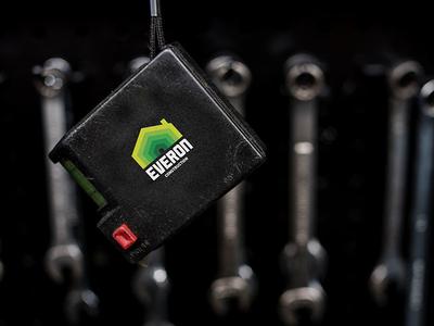 Everon logo contractor tape measure green logo construction