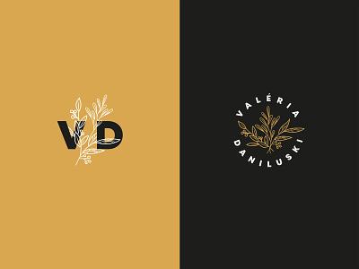 Valéria Daniluski - Photographer logo variations photo logo clean logo photographer business card business card real mockup organic logo logo design photographer logo