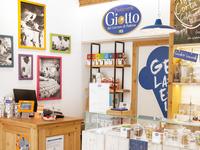Giotto Ice Cream Shop | Interior 03