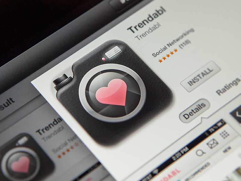 Trendabl icon icon app logo mark identity pencil sketch heart camera iphone ios ipad dslr button pink flash 3d illustration