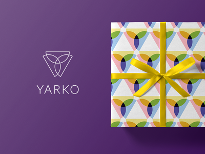 Yarko mrmockup mockup box packaging green red wrap gift christmas fashion jewelry pattern design logo