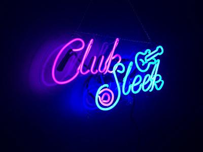 Club Sleek stickermule