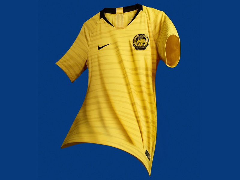 Malaysia 2018 Home Kit badge crest uniform jersey yellow black stripes tiger kit football soccer nike