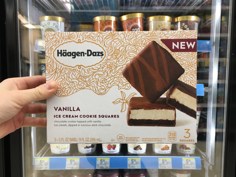 Häagen-Dazs Vanilla Ice Cream Cookie Squares brand vanilla chocolate art direction graphic design food packaging food food and drink new product consumer goods package design packaging dessert icecream