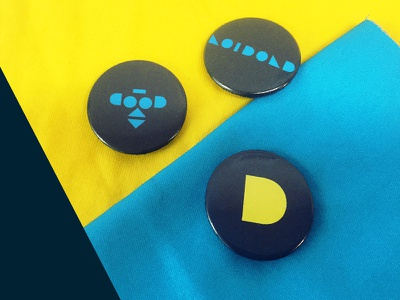 Play the Corporate buttons corporate logo
