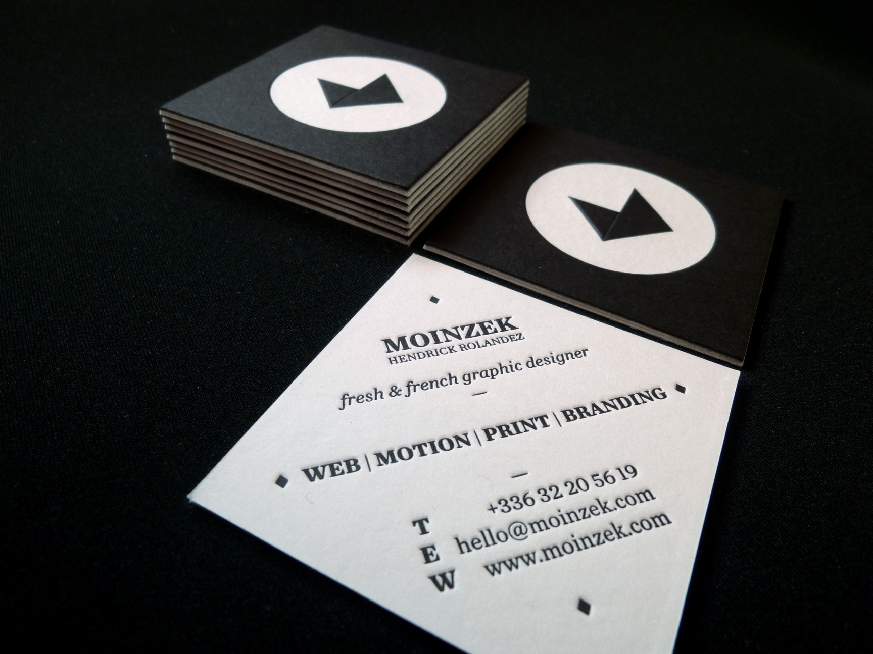 Moinzek business card 1