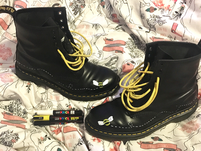 Bumblebee boots custom boots dr martens customisation illustration bumblebee bee bees