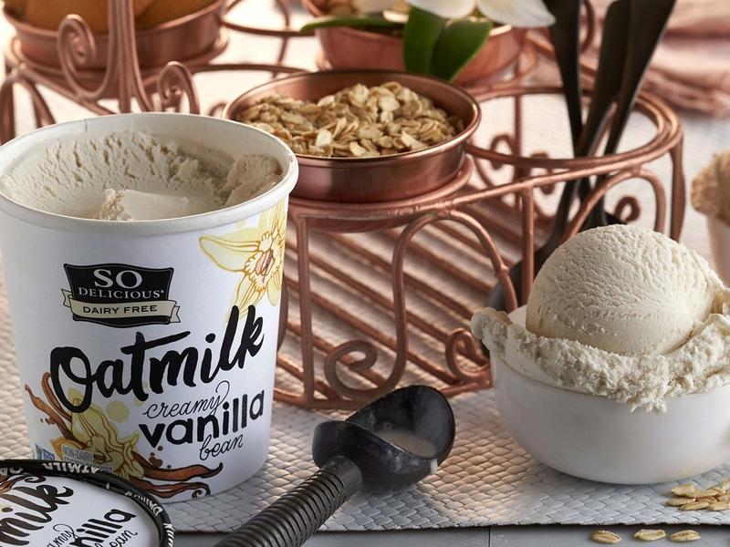 So Delicious Oatmilk Vanilla Ice Cream sketch logotype hand lettering logo lettering typography dairy free icecream ice cream dessert delicious so delicious creamy vanilla bean vanilla bean vanilla