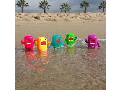 Domo Beach toy photography domo qee domo kun photography instagram colorful beach vinyl