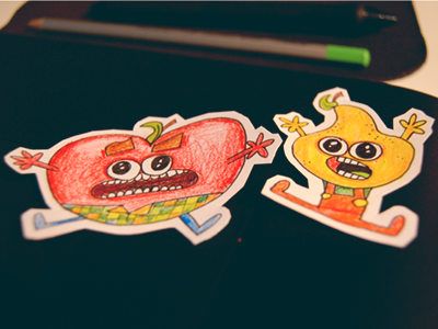 Paper-apple and paper-pear apple pear paper cartoon drawing pencil