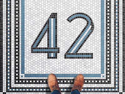 42 Fauxsaic