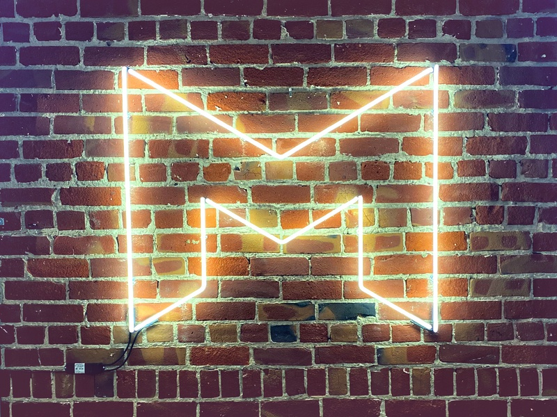 Mode in Lights! branding neon sign