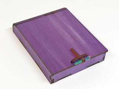 Living Hinge Gift Card Box