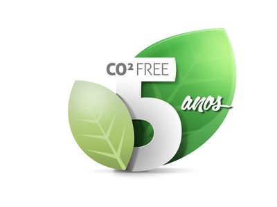 CO² Free | 5 anos shapes mask photoshop green leaf logo badge environment co2 free carbono five nature
