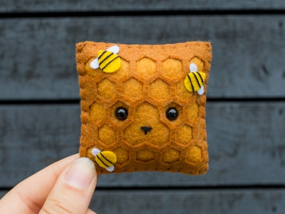 091 bees honeycomb face sewing handmade felt the100dayproject