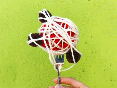 026 🍝 meatball spaghetti handmade yarn pom-pom the100dayproject
