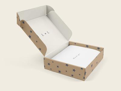 La'Lunar - Mailing Box Mockup