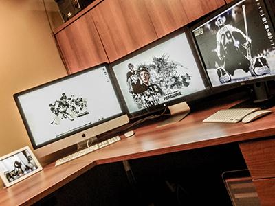 Makin it happen. desk mac setup lets go pens