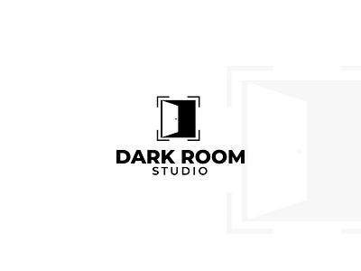 Daily Logo Challenge: Day 25 : Dark Room Studio designer icon illustration logo design dailylogochallenge logodesign studio logo lense logo photography logo darkroomstudio