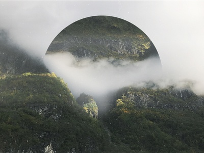 Mist on green mountains - Geometric landscapes