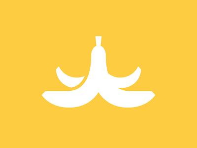 Banana yellow slip peel banana