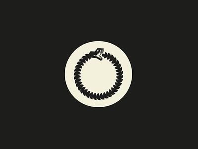 01 icon logo identity sneak icon sneak animal logo modernism geometry animal branding illustration design icon design symbol logo icon ouróboros uróboros