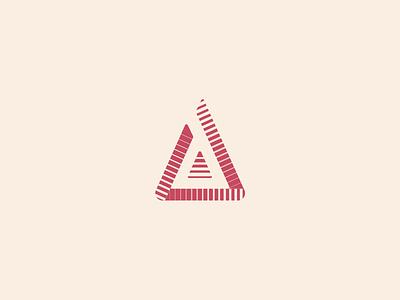 Tobré triangle logo