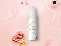 Akoro Cream Label Design