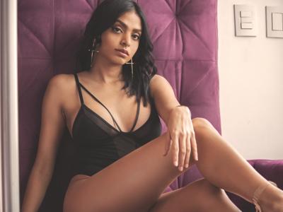 Andrea skyloft boudoir glance elegance black purple portrait girl young brunette venezuelan female woman portrait woman fashion photography fashion photography photo