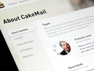 Cakemail Team cake cakemail team box light design beige white din texture facebook twitter email contact layout social