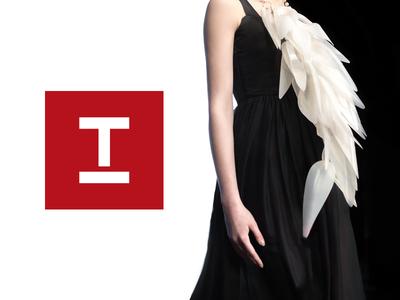 It's Italy Fashion District symbol icon elegant women toronto italy fashion