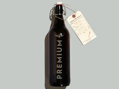 Growler beer growler type minimal vertical bottle packaging