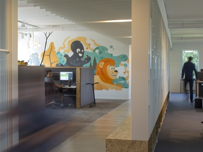 iWink Mural groningen octopus grey lion orange spraypaint wallpainting illustration mural