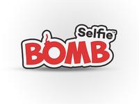 Selfie bomb logo