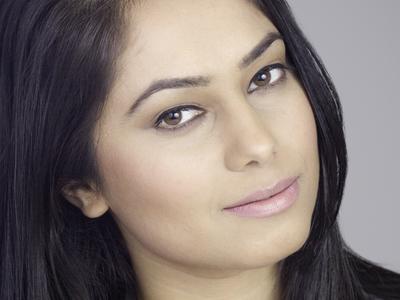 Headshot - Arsha Tahir, Actor sandra adamack dee graphiques headshots photography retouching photoshop canon lightroom vancouver bc surrey